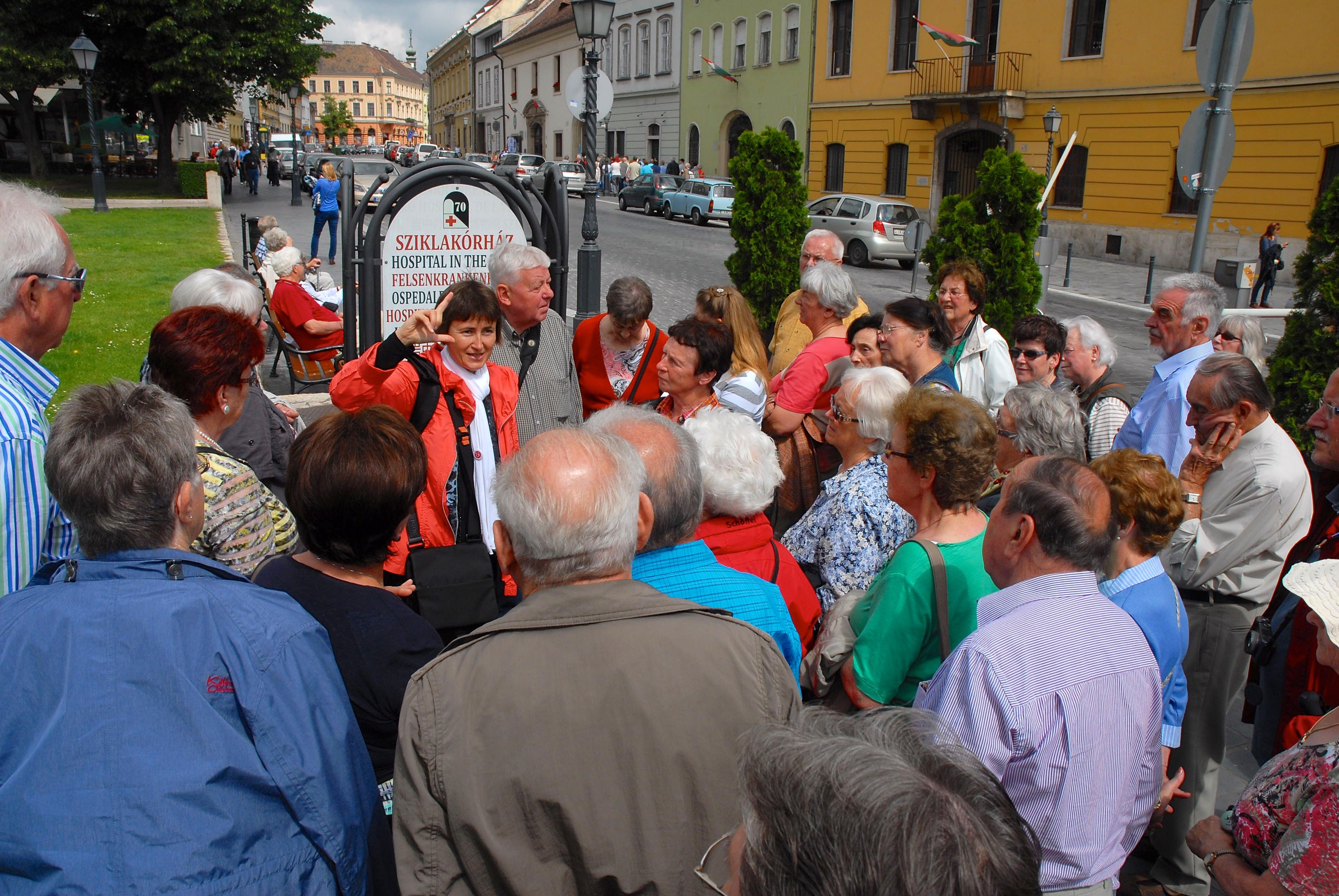 In der Budaer Burg mit einer Gruppe