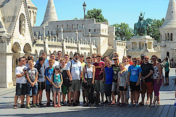 Gruppenfoto mit Jugendlichen