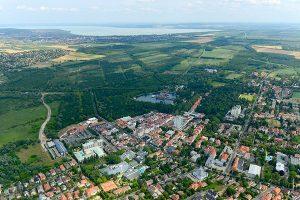 Heviz, im Hintergrund ist der Balaton/ Plattensee