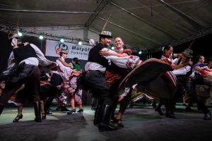 Volkstanzgruppe der Matyós tanzt